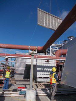 Lifting of heat exchanger, Montes del Plata/Uruguay