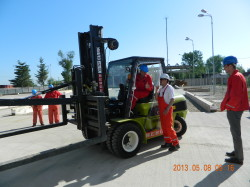 Discussions with forklift driver before work start, Videle/Romania